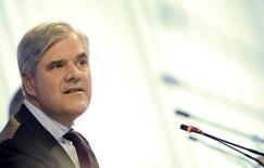 """Andreas Dombret, membre du directoire de la Bundesbank, estime que le """"shadow banking"""", les géants de l'assurance et les dérivés de gré à gré sont les plus grands défis auxquels les régulateurs financiers doivent encore répondre. /Photo d'archives/REUTERS/Lisi Niesner"""