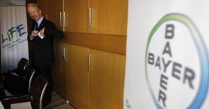 Marijn Dekkers, o presidente do Conselho de Administração e presidente-executivo da Bayer AG, chega para participar de uma coletiva de imprensa em São Paulo. A Bayer nomeou Kemal Malik para seu conselho de administração, dando a ele a responsabilidade por inovação na fabricante alemã de químicos e medicamentos. 22/05/2013 REUTERS/Paulo Whitaker