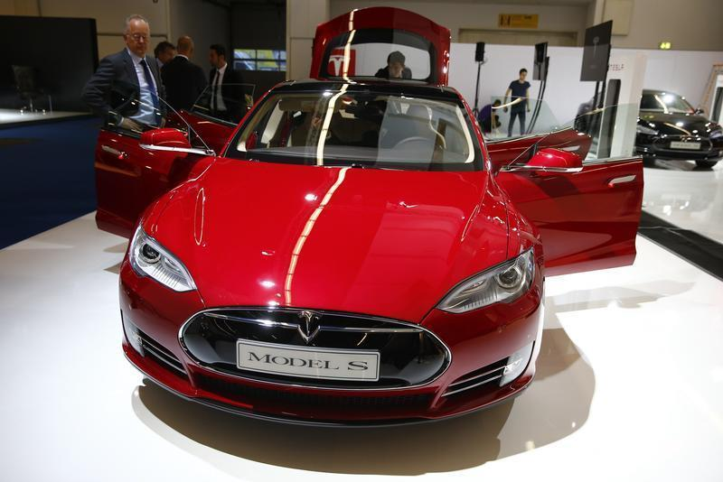 Tesla Starts Offering Cars In China With No Chinese Name