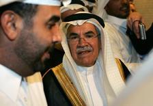 o ministro do Petróleo da Arábia Saudita, Ali al-Naimi, durante evento no Catar em 2006. Neste sábado, o ministro afirmou que o mercado teme escassez de petróleo no país. 19/10/2006 REUTERS/Fadi al-Assaad