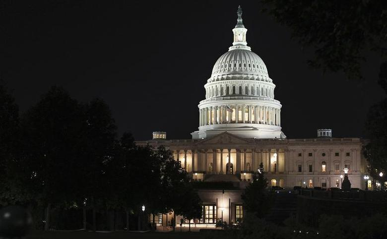 The U.S. Capitol building is seen as budget battles continue to rage inside over the looming shutdown of most of the U.S. government in Washington, September 30, 2013. REUTERS/Jim Bourg