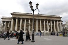 Les Bourses européennes encore ouvertes évoluaient en légère hausse mardi dans les premiers échanges. À Paris, le CAC 40 avançait de 0,21% à 4.223,97 points vers 08h35 GMT. A Londres, le FTSE prenait 0,28% et à Madrid, l'Ibex 35 0,35%. /Photo d'archives/REUTERS/Charles Platiau