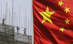 La Chine devrait vraisemblablement reconduire pour l'année prochaine l'objectif de croissance de 7,5% qui avait été fixé pour 2013, selon plusieurs sources émanant de cercles de réflexion officiels. /Photo d'archives/REUTERS/Kim Kyung-Hoon