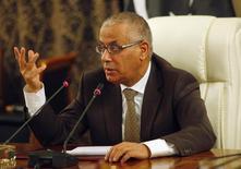 رئيس الوزراء الليبي علي زيدان في طرابلس يوم 10 نوفمبر تشرين الثاني 2013. تصوير: اسماعيل زيتوني - رويترز