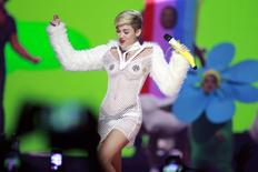Miley Cyrus performs during the iHeartRadio Music Festival in Las Vegas, Nevada September 21, 2013. REUTERS/Steve Marcus
