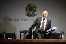 El Gobierno de la presidenta de Brasil, Dilma Rousseff, prometió el viernes mantener el gasto bajo control este año pese a las elecciones generales e intentó calmar a los mercados sobre una posible reducción de la calificación de deuda con saludables resultados fiscales para el 2013. Brasilia, 3 de enero de 2014. REUTERS/Ueslei Marcelino