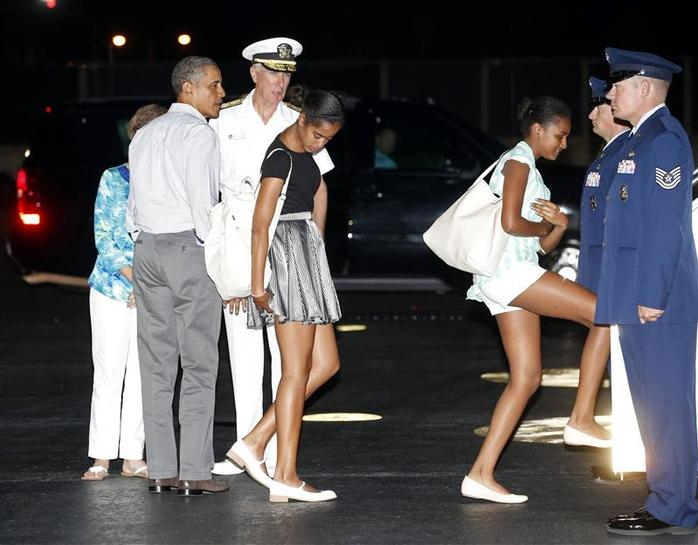 Obama 39 S Birthday Gift To Wife Time Alone In Hawaii Reuters