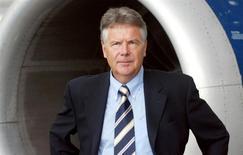 L'homme d'affaires allemand Hans Rudolf Wöhrl ambitionne de fusionner CityJet, la filiale d'Air France-KLM sur laquelle il a lancé une offre d'achat le mois dernier, avec sa propre compagnie InterSky pour se faire une place dans le segment des vols d'affaires régionaux en Europe. /Photo d'archives/REUTERS