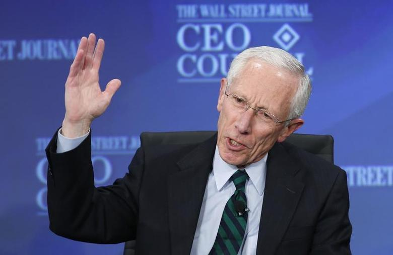 Former Bank of Israel Governor Stanley Fischer answers a question during the Wall Street Journal's CEO Council annual meeting in Washington, November 19, 2013. REUTERS/Kevin Lamarque