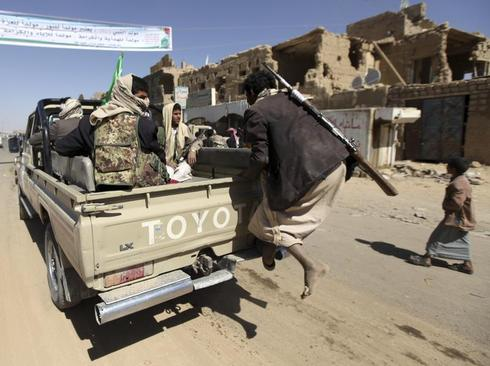 Ceasefire holds between Shi'ite and Sunni fighters in north Yemen