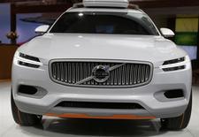 Le Volvo XC Coupé Concept présenté au salon de Détroit. Le constructeur suédois, propriété du chinois Geely depuis 2010, a renoué avec la rentabilité en 2013. /Photo prise le 13 janvier 2014/REUTERS/Rebecca Cook