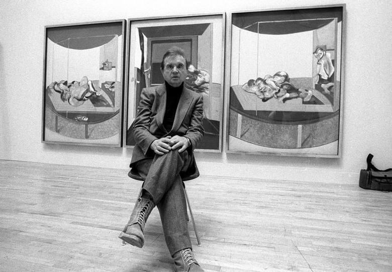 Irish artist Francis Bacon sits for a photograph in the Tate Gallery in London, May 16, 1985. REUTERS/Brian Smith