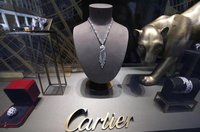 Jewellery is displayed at Cartier in New York City, April 4, 2013. REUTERS/Mike Segar/Files
