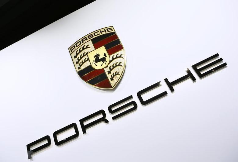 The Porsche logo is pictured during the 2013 Los Angeles Auto Show in Los Angeles, California November 20, 2013. REUTERS/Lucy Nicholson