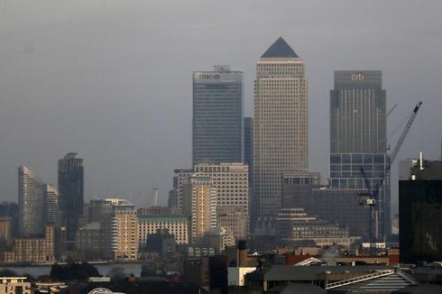 UK economic recovery boosts financial firms' profits, jobs -survey