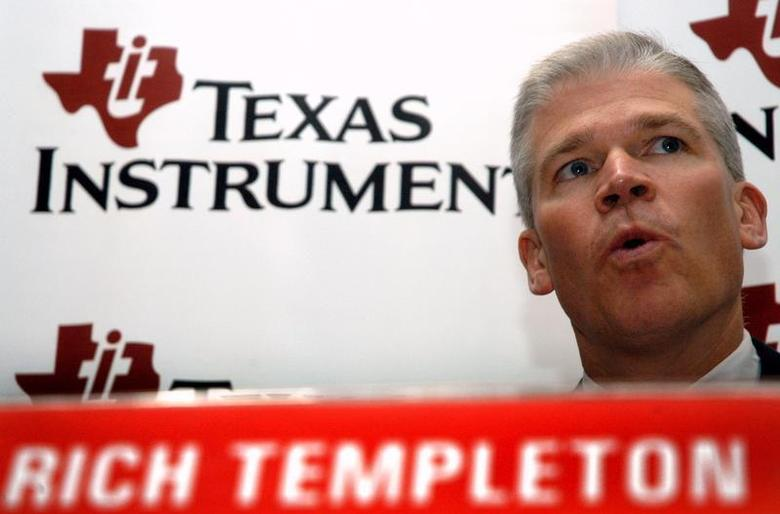 President and Chief Executive Officer of Texas Instruments Inc. Richard Templeton speaks during a news conference in southern Indian city of Bangalore March 28, 2006. REUTERS/Jagadeesh