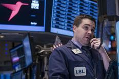 La Bourse de New York a terminé sans tendance mercredi, une série mitigée de résultats de sociétés ne permettant pas de dicter une tendance claire au marché. Le Dow affiche en clôture un repli de 0,25%, tandis que le Standard & Poor's 500 prend 0,06% et le Nasdaq Composite 0,41%. /Photo prise le 22 janvier 2014/REUTERS/Brendan McDermid