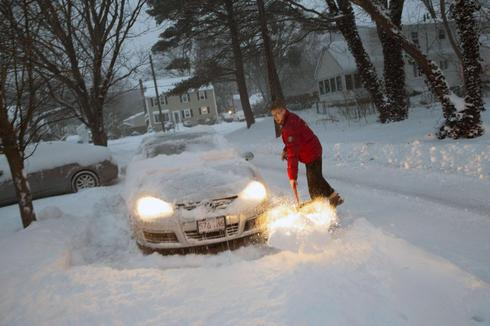 Bitter cold lingers as U.S. northeast digs out from snow