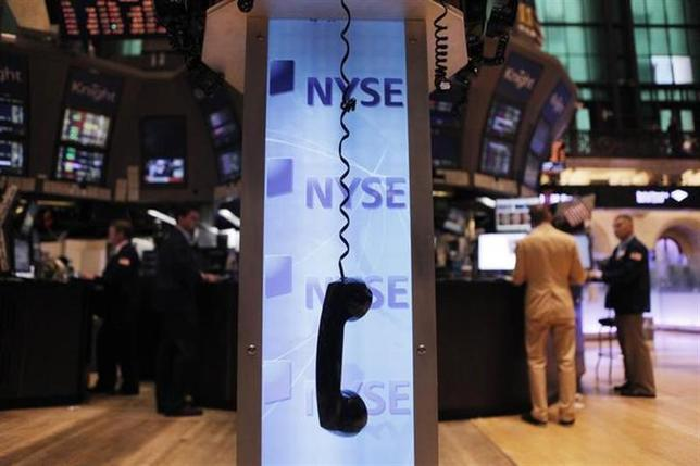 1月23日、米株式市場で中国銘柄への売りが膨らんでいる。写真はニューヨーク証券取引所で2011年8月撮影(2014年 ロイター/Lucas Jackson)