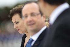 Valerie Trierweiler, companion of France's President Francois Hollande (C), attends a welcoming ceremony at the Planalto Palace in Brasilia, December 12, 2013 file photo. REUTERS / Ueslei Marcelino