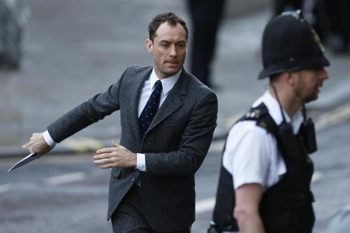 British phone-hacking trial revelation shocks actor Jude Law