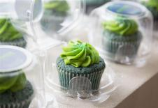 Seattle Seahawks-themed marijuana cupcakes are displayed at the Queen Anne Cannabis Club in Seattle, Washington January 28, 2014. REUTERS/Jason Redmond