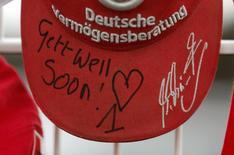 Boné comemorando o 45º aniversário do heptacampeão de Fórmula Um Michael Schumacher em Kerpen, Alemanha. 3/01/2014 REUTERS/Ina Fassbender
