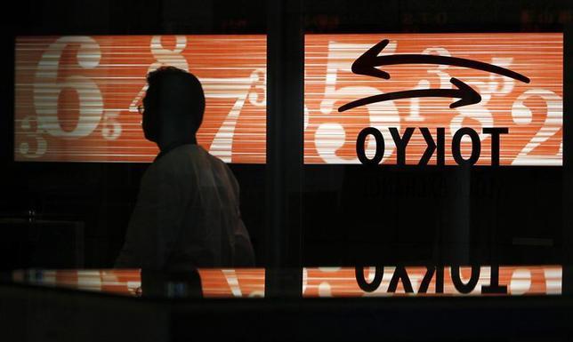 1月31日、来週の東京株式市場は波乱含みとなりそうだ。写真は東京証券取引所。2011年2月撮影(2014年 ロイター/Kim Kyung-Hoon)