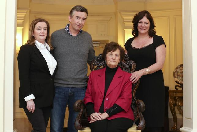 Philomena Lee (2nd R) poses with her daughter Jane (R), actor Steve Coogan (2nd L) and Susan Lohan (L), founder of Adoption Rights Alliance, at the end of a news conference in downtown Rome, February 6, 2014. REUTERS/Alessandro Bianchi