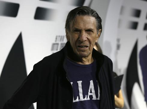 'Star Trek' star Leonard Nimoy 'doing OK' after lung disease diagnosis