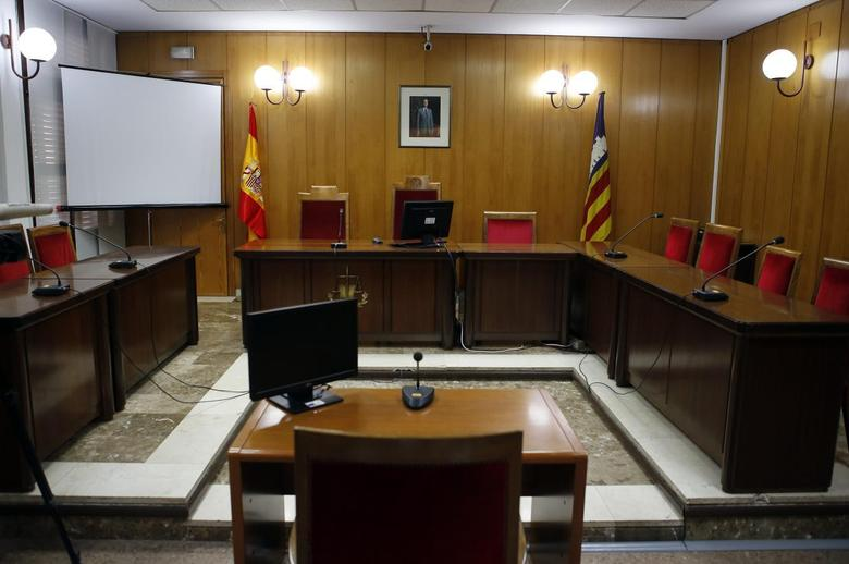 An overall view of the courtroom in the Palma de Mallorca courthouse is seen one day before Spain's Princess Cristina is due to testify, February 7, 2014. REUTERS/Enrique Calvo