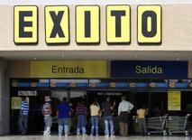 Exito, la filiale colombienne de Casino, a conclu un accord portant sur l'acquisition des magasins de l'enseigne indépendante Super Inter afin d'accélérer sa croissance en Amérique latine sur le marché du discount. /Photo d'archives/REUTERS/Isaac Urrutia