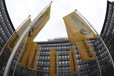 Flags of Germany's Continental AG hang in the rain during a board meeting of Continental in Frankfurt, in this March 6, 2009 file photo. REUTERS/Kai Pfaffenbach/Files
