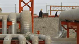 La demande mondiale en pétrole va progresser cette année davantage que ce que prévoyait jusqu'à présent l'Organisation des pays exportateurs de pétrole (Opep) à la faveur de la reprise économique en Europe et aux Etats-Unis. /Photo d'archives/REUTERS/Amit Dave