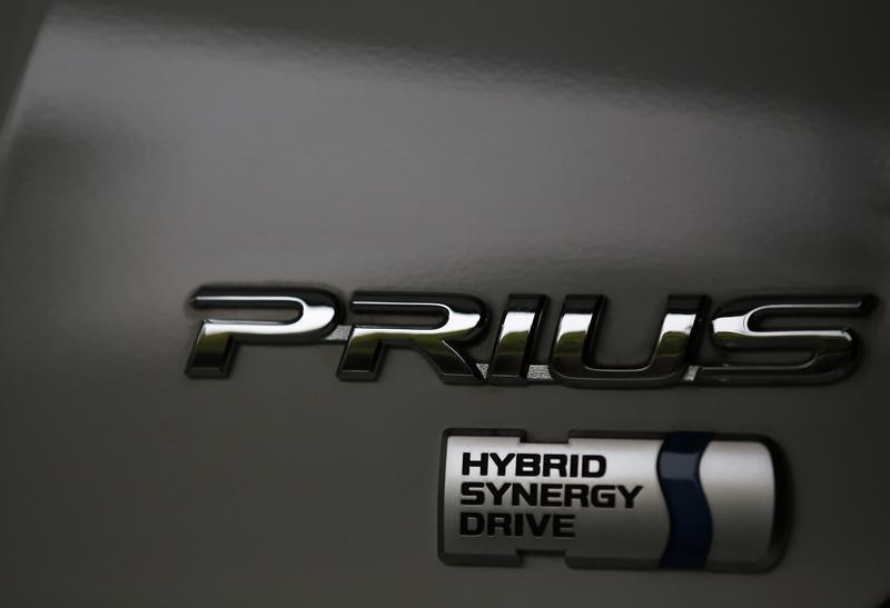 Toyota to recall 1 9 million Prius cars for software defect