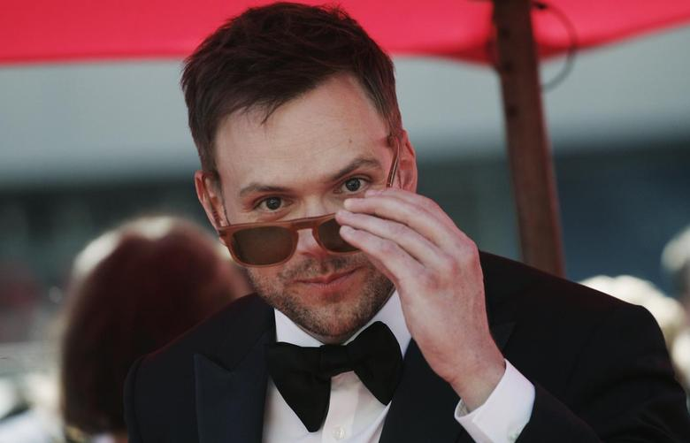 Actor Joel McHale arrives at the 65th Primetime Creative Arts Emmy Awards in Los Angeles, California September 15, 2013. REUTERS/Jonathan Alcorn