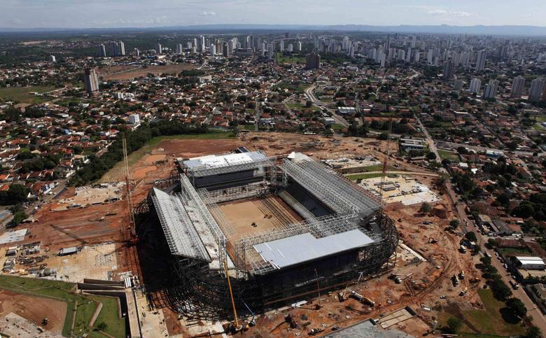 Aerial view of the Arena Pantanal stadium in Cuiaba, November 18, 2013. REUTERS/Paulo Whitaker