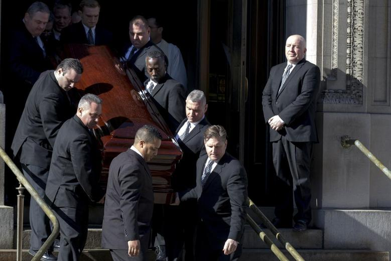 Actor Phillip Seymour Hoffman's casket is carried out following the funeral in the Manhattan borough of New York, February 7, 2014. REUTERS/Brendan McDermid