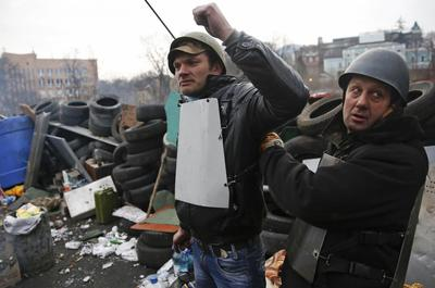 Ukraine opposition demands Yanukovich resign