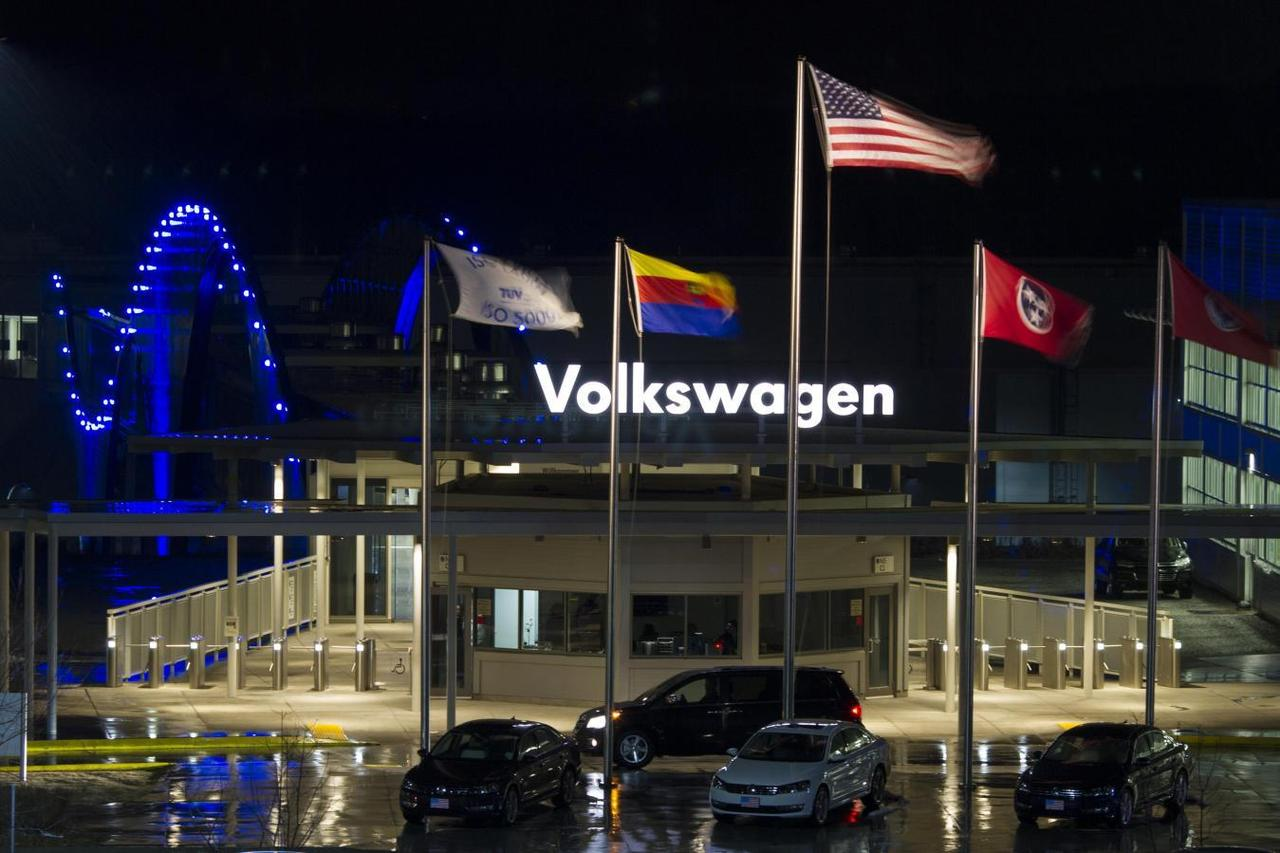 Thirteen billboards one paint shop worker helped defeat union at vw a general view of the volkswagen plant in chattanoogatennessee february 14 2014 reuterschristopher aluka berry malvernweather Images