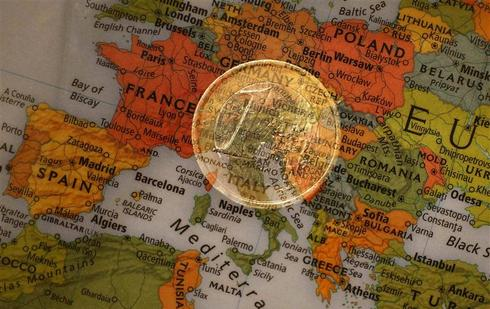 Euro zone inflation shows biggest monthly fall in January