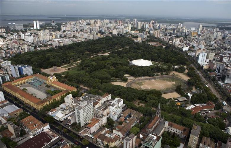 An aerial view shows the Farroupilh park in Porto Alegre January 30, 2014. REUTERS/Edison Vara