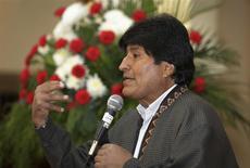 El presidente de Bolivia, Evo Morales, en una conferencia de prensa en La Paz, feb 4 2014. El Gobierno boliviano dijo jueves que continuará negociando con el grupo español Red Eléctrica (REE) la compensación por la expropiación de su unidad en el país sudamericano, a pesar de que la compañía inició un proceso de arbitraje internacional. REUTERS/David Mercado