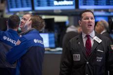 Traders work on the floor of the New York Stock Exchange February 27, 2014. REUTERS/Brendan McDermid