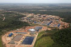 Vista aérea de um oleoduto interno em Campo Rubiales em Meta, no leste da Colômbia. A Colômbia está trabalhando em um marco regulatório para desenvolver suas reservas não convencionais de hidrocarbonetos e já declarou formalmente o primeiro óleo de xisto como comercialmente viável, afirmou o vice-ministro de energia do país à Reuters. 23/01/2013 REUTERS/Jose Miguel Gomez