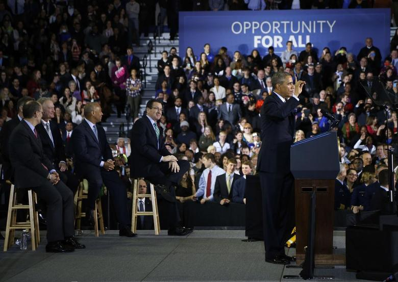 U.S. President Barack Obama delivers remarks on raising the minimum wage at Central Connecticut State University in New Britain, Connecticut March 5, 2014. REUTERS/Jonathan Ernst