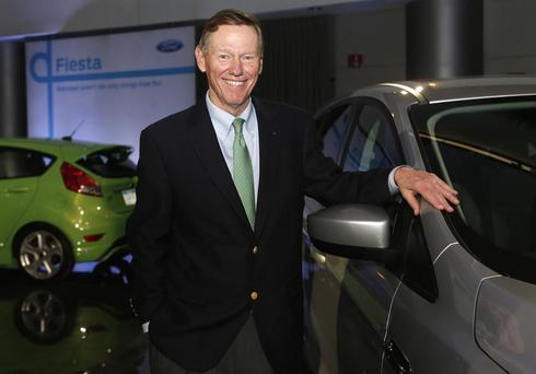 Ford CEO Mulally gets $13.8 million in stock for 2013 performance