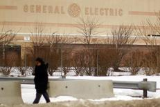 """General Electric Co. acknowledged on Thursday that a cut in its top-tier credit rating was possible, but its chief financial officer said there was no """"time bomb"""" hidden in its hefty finance arm. REUTERS/Brian Snyder"""