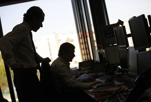 High-yield bonds draw investors as emerging debt loses them