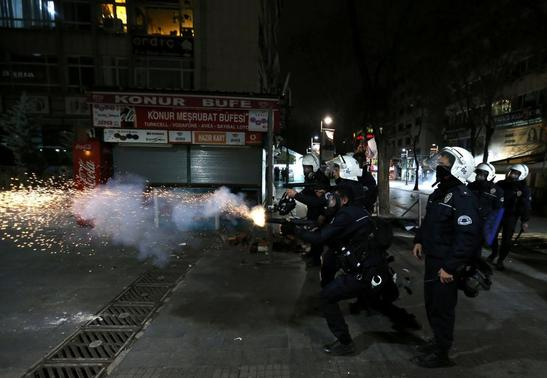 Riot police fires tear gas to disperse anti-government protesters during a demonstration in Ankara March 11, 2014. REUTERS-Umit Bektas